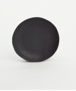Bilde av Kajsa Cramer fat 13cm (f.eks til kopp) svart